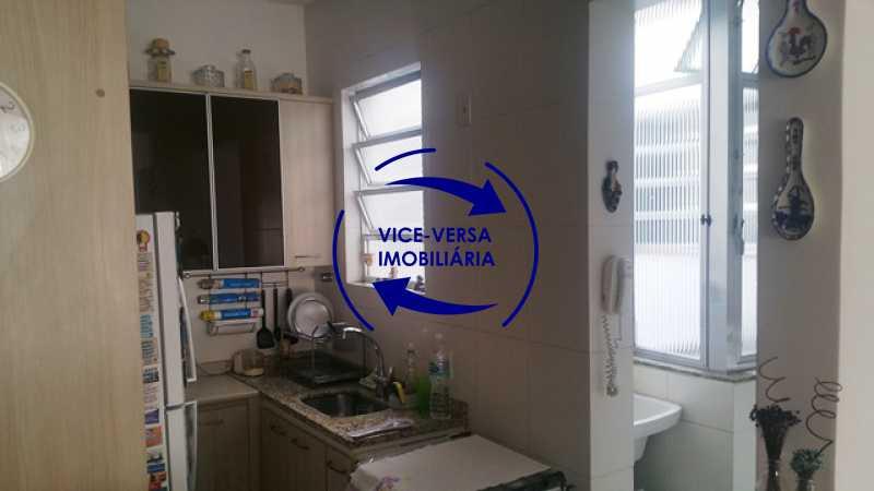 cozinha-americana - Apartamento À venda na Rua Amaral, próximo ao SESC Tijuca - sala 2 ambientes, lavabo, 3 quartos com armários, cozinha americana, lavanderia, quarto de empregada, vaga garantida! - 1305 - 23