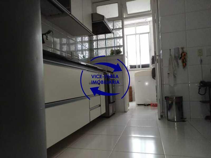 cozinha - EXCLUSIVIDADE! Apartamento À venda na área mais nobre da Tijuca, próximo da Universidade Cândido Mendes - salão, sala íntima, lavabo, 3 quartos (suíte), dependências, vaga! - 1341 - 26
