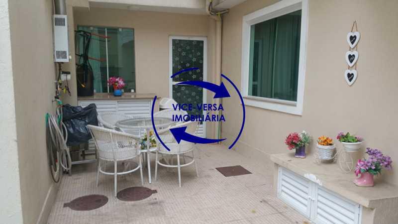 area-externa - Casa triplex À venda em Vila Valqueire - sala, lavabo, 3 quartos, 1 suíte, copa-cozinha, piscina, 2 vagas de garagem. - 1352 - 11