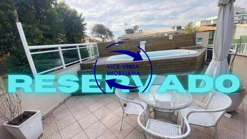 Reservado1 - Casa triplex À venda em Vila Valqueire - sala, lavabo, 3 quartos, 1 suíte, copa-cozinha, piscina, 2 vagas de garagem. - 1352 - 1