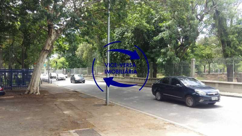 proximidades - Ótimo apartamento, vazio, Rua do Parque, ao lado Quinta da Boa Vista, próximo Estação São Cristóvão (Metrô, Supervia). Sala, 2 quartos, vista livre, vaga, ótimo condomínio com segurança. - 1364 - 28