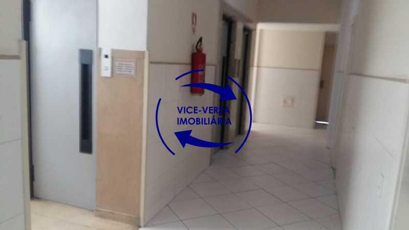 elevadores-andar - Ótimo apartamento, vazio, Rua do Parque, ao lado Quinta da Boa Vista, próximo Estação São Cristóvão (Metrô, Supervia). Sala, 2 quartos, vista livre, vaga, ótimo condomínio com segurança. - 1364 - 14