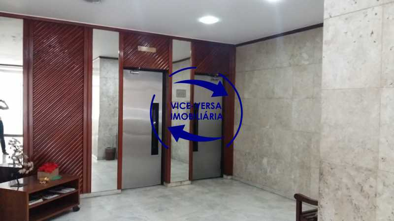 terreo-elevadores-sociais - Ótimo apartamento, vazio, Rua do Parque, ao lado Quinta da Boa Vista, próximo Estação São Cristóvão (Metrô, Supervia). Sala, 2 quartos, vista livre, vaga, ótimo condomínio com segurança. - 1364 - 13