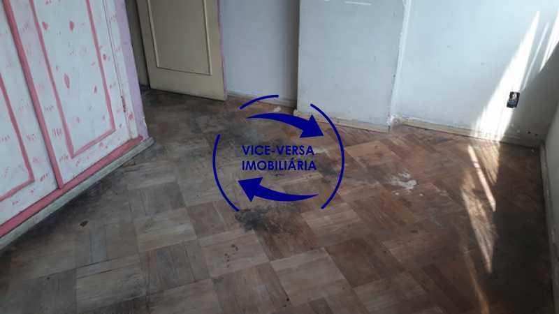 primeiro-quarto - Ótimo investimento! Apartamento com 100m², Rua Xavier da Silveira, 1 quadra da Praia de Copacabana, 2 quadras do Metrô Cantagalo. Sala, 3 quartos com dependências completas de empregada. - 1363 - 14