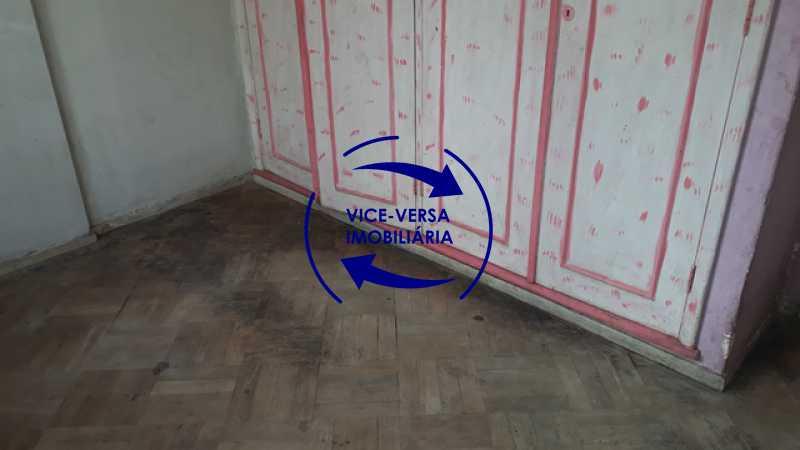 primeiro-quarto - Ótimo investimento! Apartamento com 100m², Rua Xavier da Silveira, 1 quadra da Praia de Copacabana, 2 quadras do Metrô Cantagalo. Sala, 3 quartos com dependências completas de empregada. - 1363 - 16