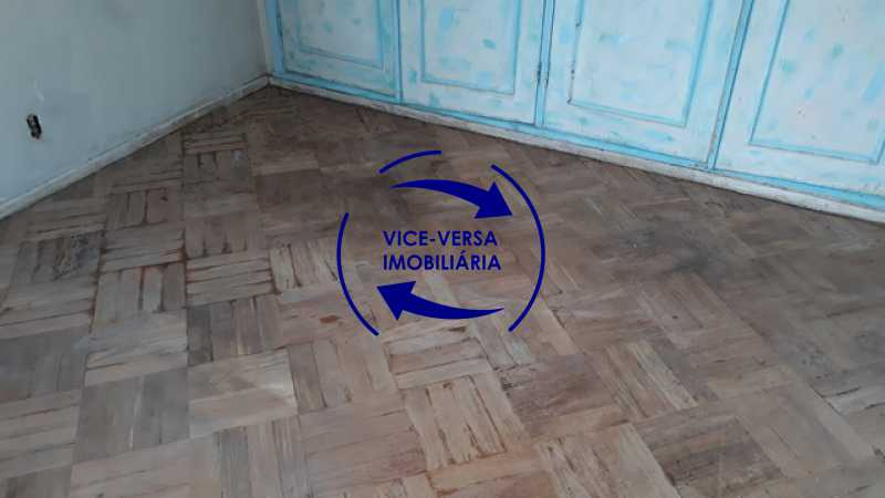 terceiro-quarto - Ótimo investimento! Apartamento com 100m², Rua Xavier da Silveira, 1 quadra da Praia de Copacabana, 2 quadras do Metrô Cantagalo. Sala, 3 quartos com dependências completas de empregada. - 1363 - 22