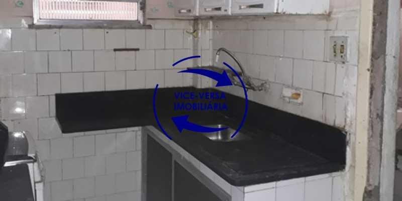 cozinha - Ótimo investimento! Apartamento com 100m², Rua Xavier da Silveira, 1 quadra da Praia de Copacabana, 2 quadras do Metrô Cantagalo. Sala, 3 quartos com dependências completas de empregada. - 1363 - 26
