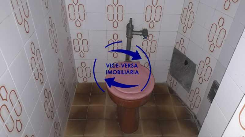 banheiro-de-empregada - Ótimo investimento! Apartamento com 100m², Rua Xavier da Silveira, 1 quadra da Praia de Copacabana, 2 quadras do Metrô Cantagalo. Sala, 3 quartos com dependências completas de empregada. - 1363 - 30