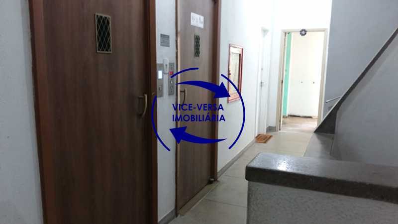 hall-do-elevador - Ótimo investimento! Apartamento com 100m², Rua Xavier da Silveira, 1 quadra da Praia de Copacabana, 2 quadras do Metrô Cantagalo. Sala, 3 quartos com dependências completas de empregada. - 1363 - 8
