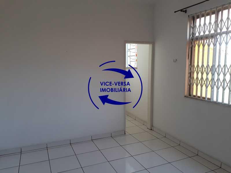 01_sala - Apartamento tipo casa em Cascadura, próximo À Rua Carolina Machado (estação), sala e quarto com quarto de empregada - 56m² - 1370 - 1