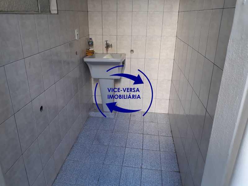 16_área_serviço - Apartamento tipo casa em Cascadura, próximo À Rua Carolina Machado (estação), sala e quarto com quarto de empregada - 56m² - 1370 - 17