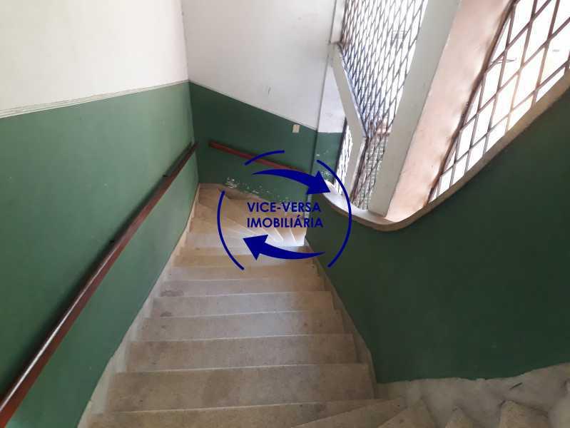 20_escadas - Apartamento tipo casa em Cascadura, próximo À Rua Carolina Machado (estação), sala e quarto com quarto de empregada - 56m² - 1370 - 20