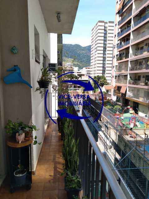 05-Varanda - Excelente apartamento na Rua Ribeiro Guimarães -Tijuca, com 67m² em condomínio com ótima infraestrutura, situado a menos de 5 min andando do shopping Tijuca. Monitoramento por câmeras e portaria 24hs. - 1388 - 7