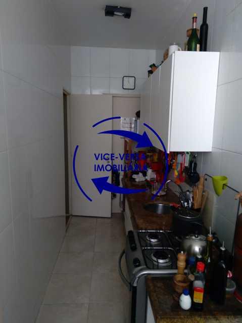 17-Cozinha - Excelente apartamento na Rua Ribeiro Guimarães -Tijuca, com 67m² em condomínio com ótima infraestrutura, situado a menos de 5 min andando do shopping Tijuca. Monitoramento por câmeras e portaria 24hs. - 1388 - 19