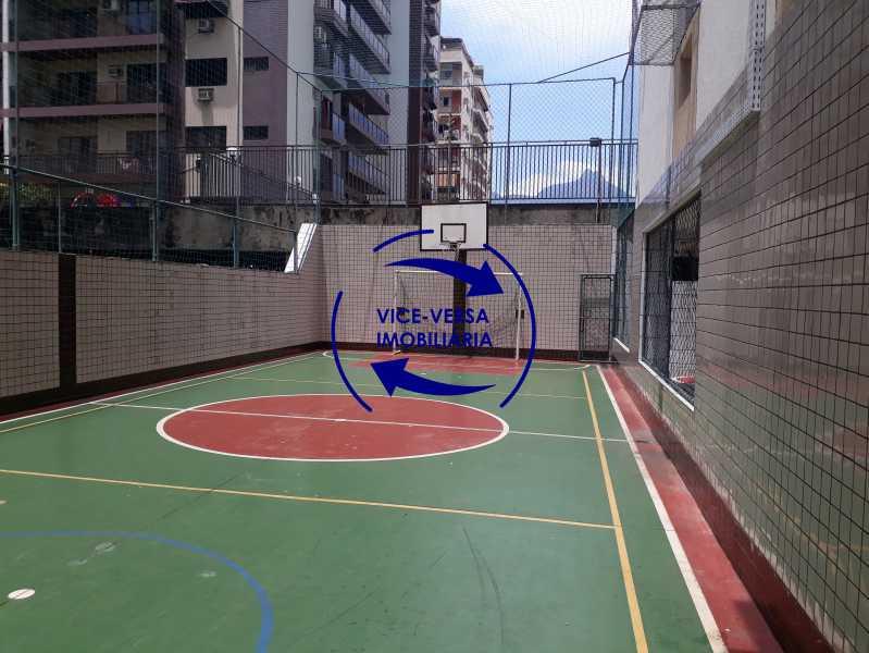 20-Quadra poliesportiva - Excelente apartamento na Rua Ribeiro Guimarães -Tijuca, com 67m² em condomínio com ótima infraestrutura, situado a menos de 5 min andando do shopping Tijuca. Monitoramento por câmeras e portaria 24hs. - 1388 - 24
