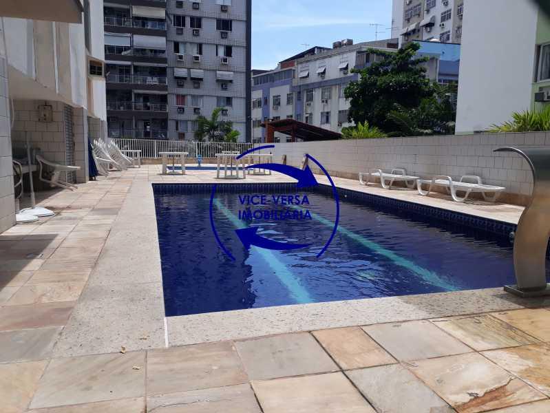 24-Piscina - Excelente apartamento na Rua Ribeiro Guimarães -Tijuca, com 67m² em condomínio com ótima infraestrutura, situado a menos de 5 min andando do shopping Tijuca. Monitoramento por câmeras e portaria 24hs. - 1388 - 1