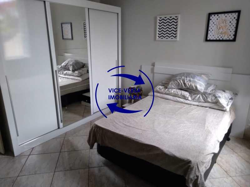 Quarto - Ampla casa com piscina, frente de rua, com 413 m² construído, no Méier prox. a rua Hermengarda. - 1400 - 7