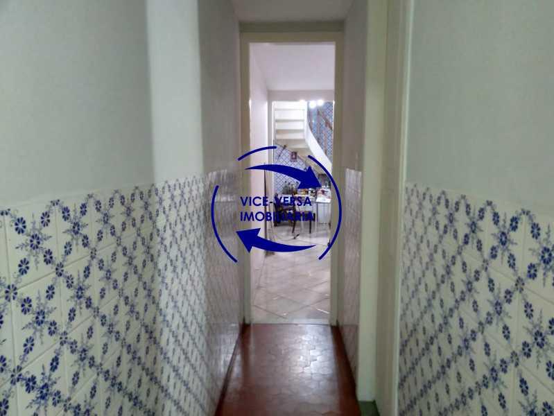 Circulação - Ampla casa com piscina, frente de rua, com 413 m² construído, no Méier prox. a rua Hermengarda. - 1400 - 14