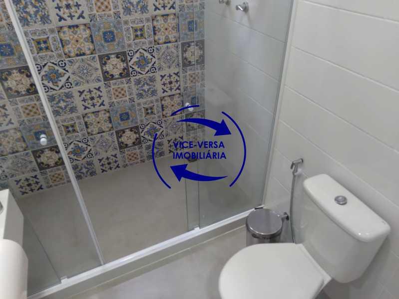 Banheiro - Ampla casa com piscina, frente de rua, com 413 m² construído, no Méier prox. a rua Hermengarda. - 1400 - 21