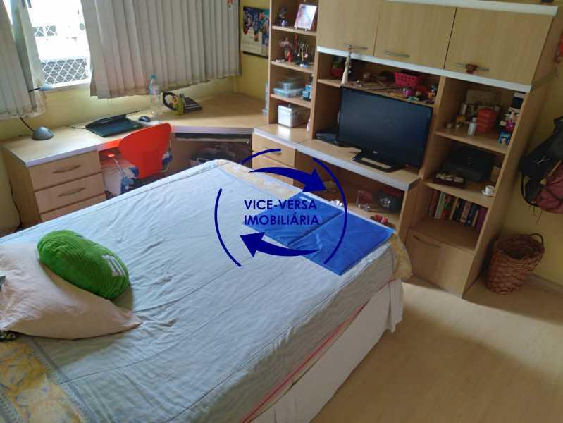 Quarto 2 - Belíssimo apartamento À venda na Rua Leopoldo Miguez - Copacabana - 110m², 3 amplos quartos repletos de armários, garagem, 350m da praia e 400m do metrô Cantagalo. - 1399 - 12
