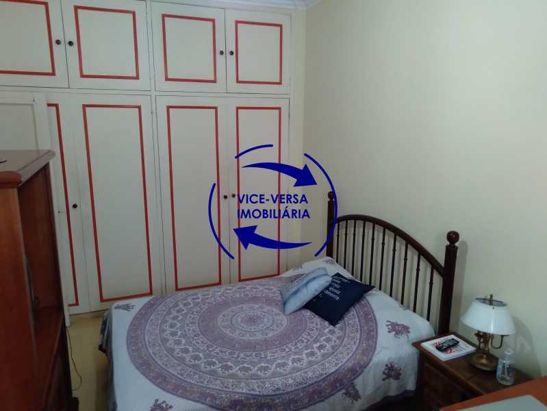 Quarto 3 - Belíssimo apartamento À venda na Rua Leopoldo Miguez - Copacabana - 110m², 3 amplos quartos repletos de armários, garagem, 350m da praia e 400m do metrô Cantagalo. - 1399 - 17