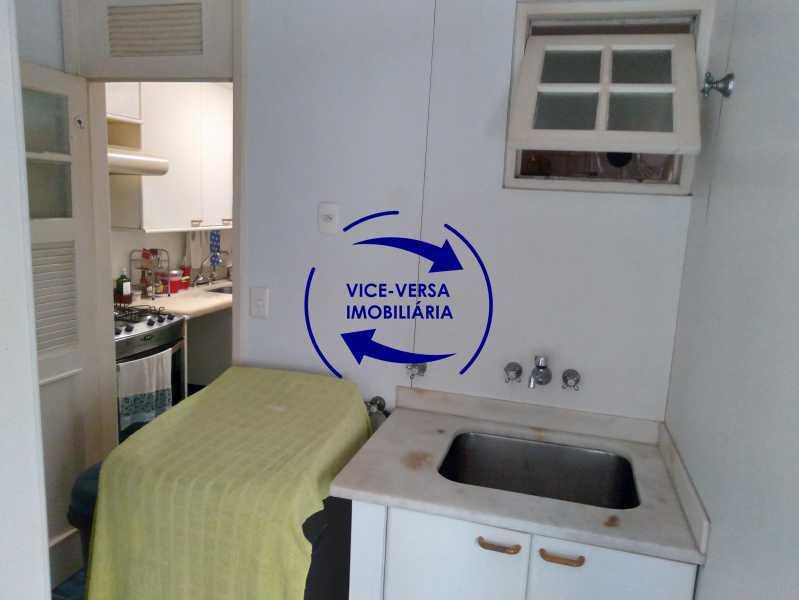 Área de serviço - Belíssimo apartamento À venda na Rua Leopoldo Miguez - Copacabana - 110m², 3 amplos quartos repletos de armários, garagem, 350m da praia e 400m do metrô Cantagalo. - 1399 - 23