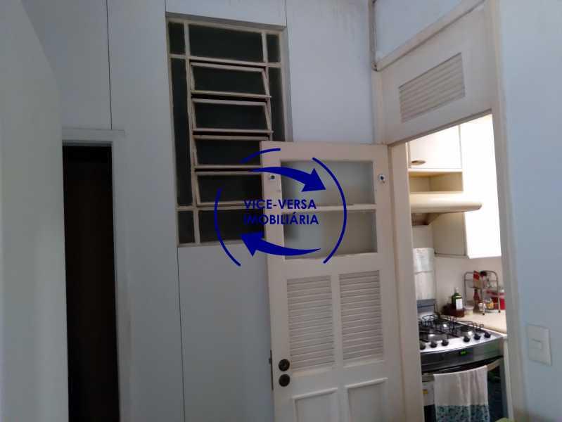 Área de serviço - Belíssimo apartamento À venda na Rua Leopoldo Miguez - Copacabana - 110m², 3 amplos quartos repletos de armários, garagem, 350m da praia e 400m do metrô Cantagalo. - 1399 - 24