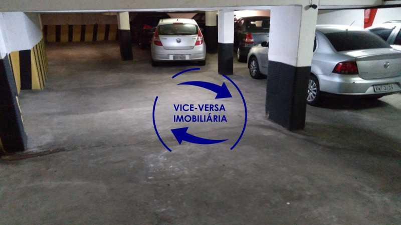 Garagem - Belíssimo apartamento À venda na Rua Leopoldo Miguez - Copacabana - 110m², 3 amplos quartos repletos de armários, garagem, 350m da praia e 400m do metrô Cantagalo. - 1399 - 28