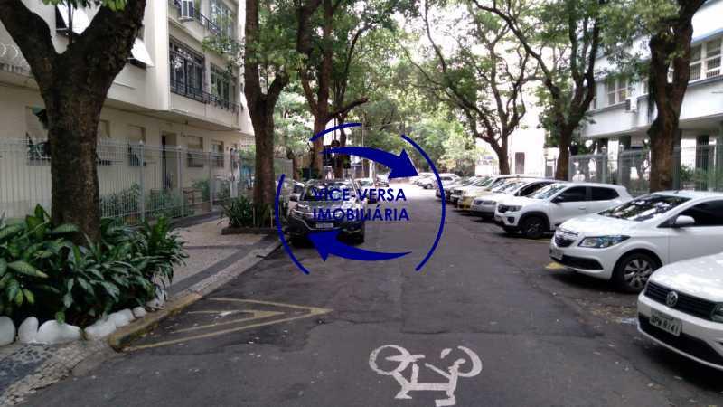 Arredores - Belíssimo apartamento À venda na Rua Leopoldo Miguez - Copacabana - 110m², 3 amplos quartos repletos de armários, garagem, 350m da praia e 400m do metrô Cantagalo. - 1399 - 5