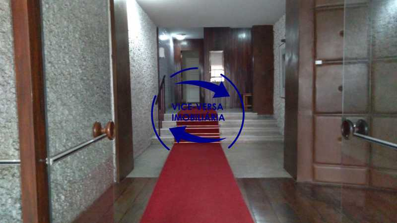 Portaria - Belíssimo apartamento À venda na Rua Leopoldo Miguez - Copacabana - 110m², 3 amplos quartos repletos de armários, garagem, 350m da praia e 400m do metrô Cantagalo. - 1399 - 6