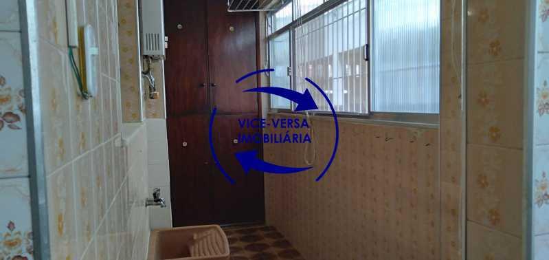 Área de serviço - Ótimo apartamento com 73 m² em Inhaúma, amplo, vazio, em bom estado, sala, 2 quartos, banheiro, copa-cozinha, área de serviço e amplo quintal. - 1404 - 17