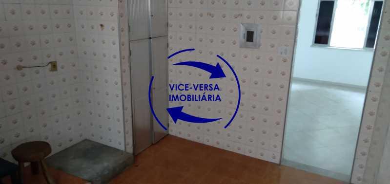 Cozinha - Ótimo apartamento com 73 m² em Inhaúma, amplo, vazio, em bom estado, sala, 2 quartos, banheiro, copa-cozinha, área de serviço e amplo quintal. - 1404 - 21