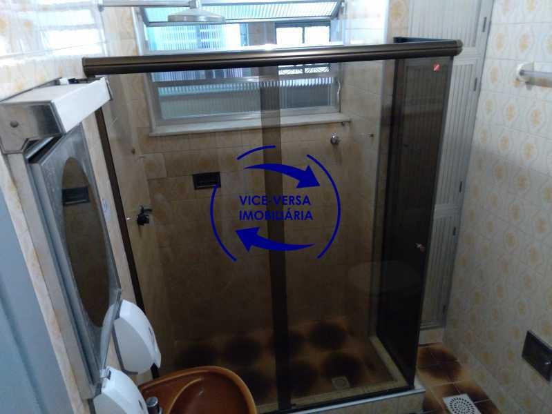 Banheiro - Ótimo apartamento com 73 m² em Inhaúma, amplo, vazio, em bom estado, sala, 2 quartos, banheiro, copa-cozinha, área de serviço e amplo quintal. - 1404 - 23