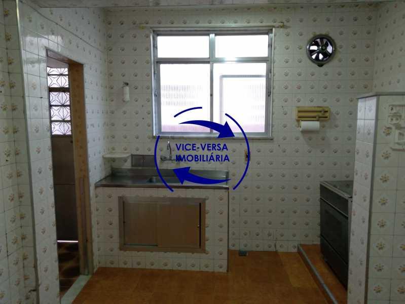 Cozinha - Ótimo apartamento com 73 m² em Inhaúma, amplo, vazio, em bom estado, sala, 2 quartos, banheiro, copa-cozinha, área de serviço e amplo quintal. - 1404 - 19