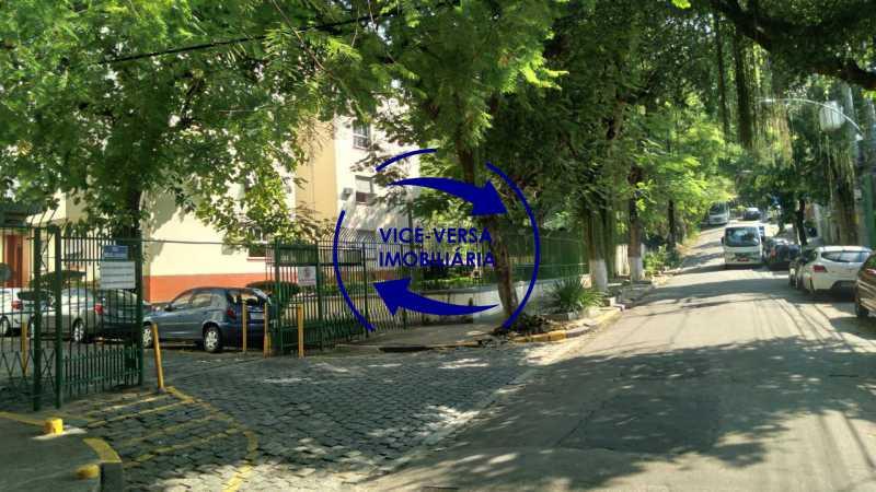 Arredores - Excelente apartamento com 97m² em rua fechada com guarita de segurança, na rua Jorge Rudge. - 1405 - 31