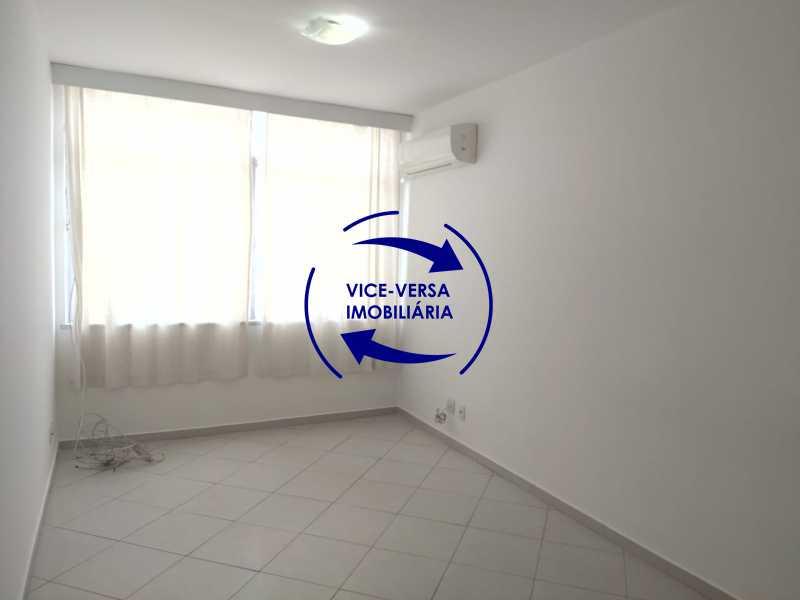 Sala - Excelente apartamento na Rua Maestro Vila Lobos, com 93m² (sala, 3quartos, dependências, garagem), super bem localizado, pertinho da praça Afonso Pena. - 1413 - 4