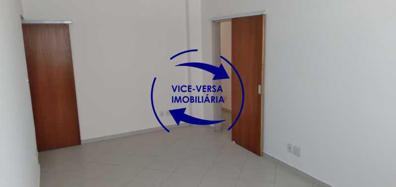 Sala - Excelente apartamento na Rua Maestro Vila Lobos, com 93m² (sala, 3quartos, dependências, garagem), super bem localizado, pertinho da praça Afonso Pena. - 1413 - 6