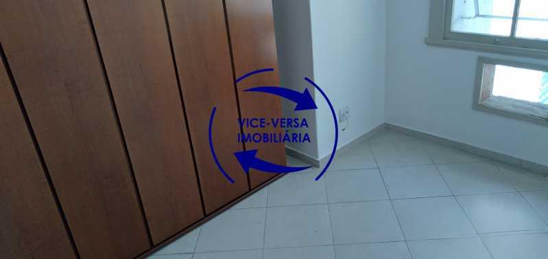 Quarto 2 - Excelente apartamento na Rua Maestro Vila Lobos, com 93m² (sala, 3quartos, dependências, garagem), super bem localizado, pertinho da praça Afonso Pena. - 1413 - 13