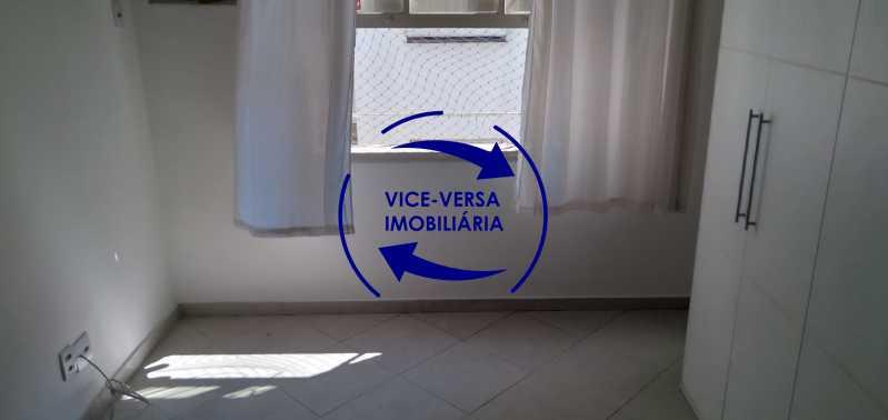 Quarto 3 - Excelente apartamento na Rua Maestro Vila Lobos, com 93m² (sala, 3quartos, dependências, garagem), super bem localizado, pertinho da praça Afonso Pena. - 1413 - 14