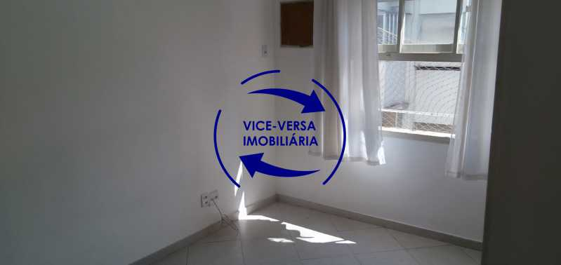 Quarto 3 - Excelente apartamento na Rua Maestro Vila Lobos, com 93m² (sala, 3quartos, dependências, garagem), super bem localizado, pertinho da praça Afonso Pena. - 1413 - 16
