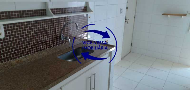 Cozinha - Excelente apartamento na Rua Maestro Vila Lobos, com 93m² (sala, 3quartos, dependências, garagem), super bem localizado, pertinho da praça Afonso Pena. - 1413 - 23