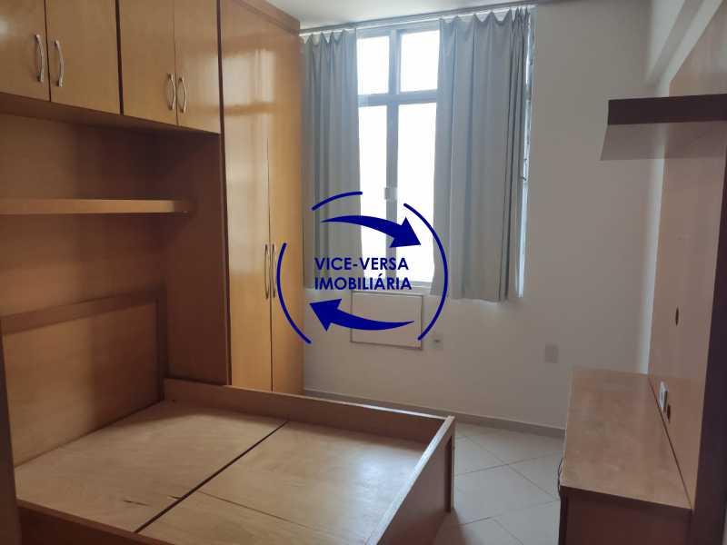 Quarto 1 - Excelente apartamento na Rua Maestro Vila Lobos, com 93m² (sala, 3quartos, dependências, garagem), super bem localizado, pertinho da praça Afonso Pena. - 1413 - 7