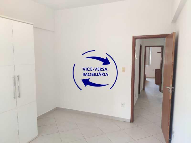 Quarto 3 - Excelente apartamento na Rua Maestro Vila Lobos, com 93m² (sala, 3quartos, dependências, garagem), super bem localizado, pertinho da praça Afonso Pena. - 1413 - 18