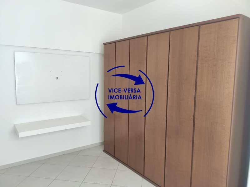 Quarto 2 - Excelente apartamento na Rua Maestro Vila Lobos, com 93m² (sala, 3quartos, dependências, garagem), super bem localizado, pertinho da praça Afonso Pena. - 1413 - 12