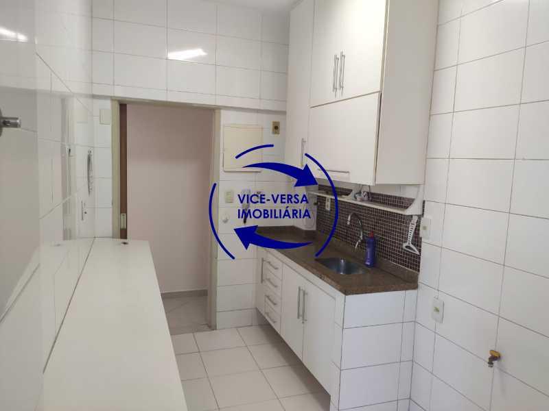 Cozinha - Excelente apartamento na Rua Maestro Vila Lobos, com 93m² (sala, 3quartos, dependências, garagem), super bem localizado, pertinho da praça Afonso Pena. - 1413 - 25