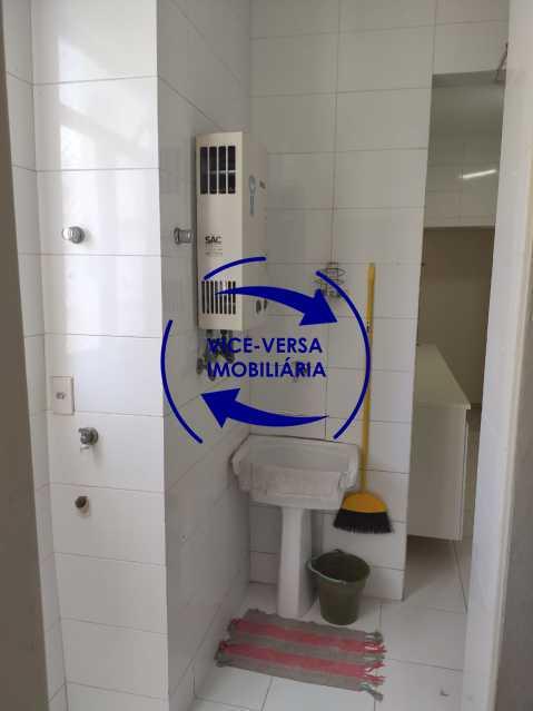 Área de serviço - Excelente apartamento na Rua Maestro Vila Lobos, com 93m² (sala, 3quartos, dependências, garagem), super bem localizado, pertinho da praça Afonso Pena. - 1413 - 26