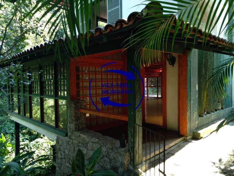 Entrada - Gávea, parte nobre, Rua João Borges, casa com 308m² em condomínio fechado, em meio ao verde. - 1377-A - 5