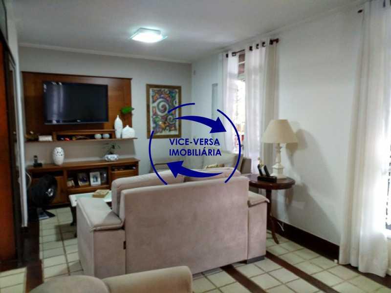 segunda-sala - Anil, Estrada Uruçanga, casa, condomínio fechado, 3 salas, varanda, 3 quartos (1 suíte), lavabo, piscina, churrasqueira! - 1106 - 4
