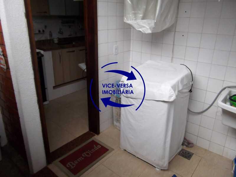fundos-lavanderia - Anil, Estrada Uruçanga, casa, condomínio fechado, 3 salas, varanda, 3 quartos (1 suíte), lavabo, piscina, churrasqueira! - 1106 - 9