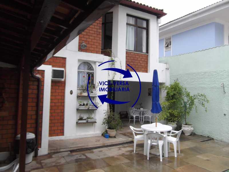 fundos-quintal - Anil, Estrada Uruçanga, casa, condomínio fechado, 3 salas, varanda, 3 quartos (1 suíte), lavabo, piscina, churrasqueira! - 1106 - 11